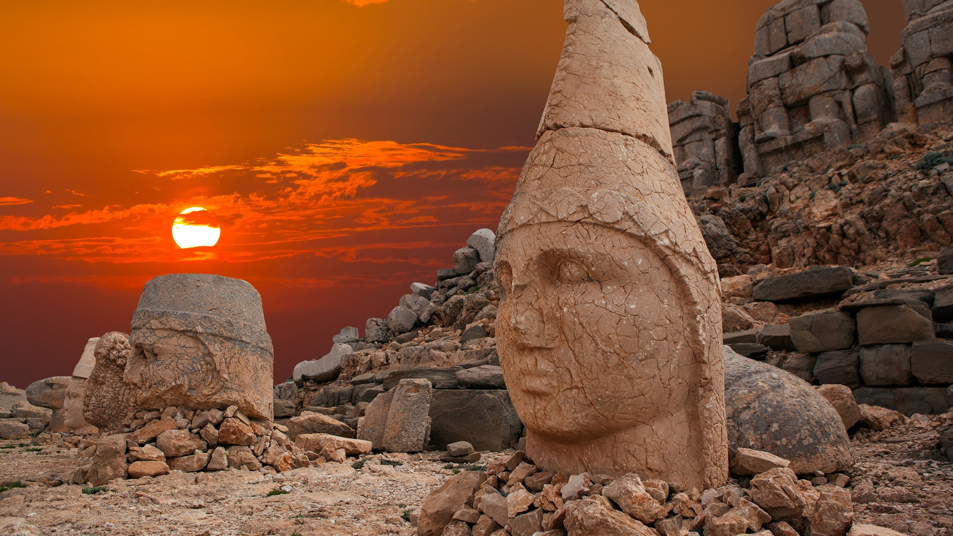 Mount Nemrut statues during sundown